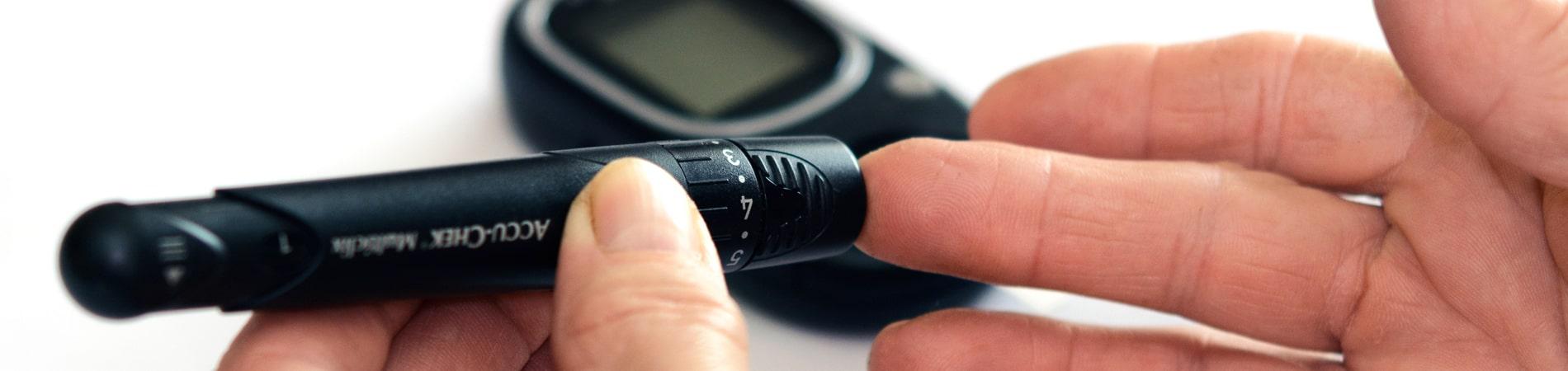Wissenswertes zur Blutzuckerkontrolle für Diabetiker.