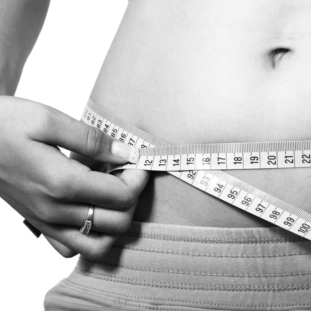 Bauchumfang messen bei Adipositas Übergewicht.