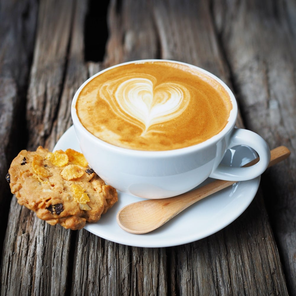 Kaffee mit Stevia süßen.